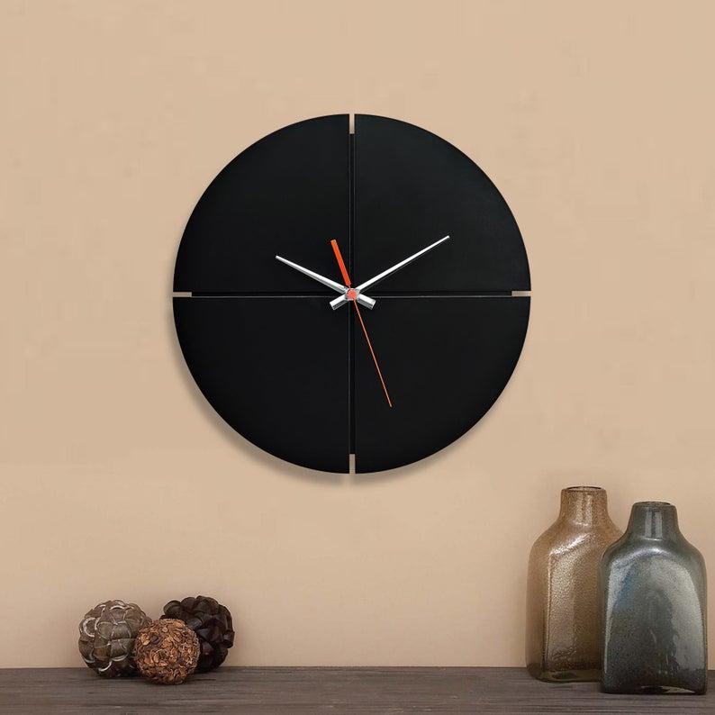 ساعت دیواری طرح مدرن