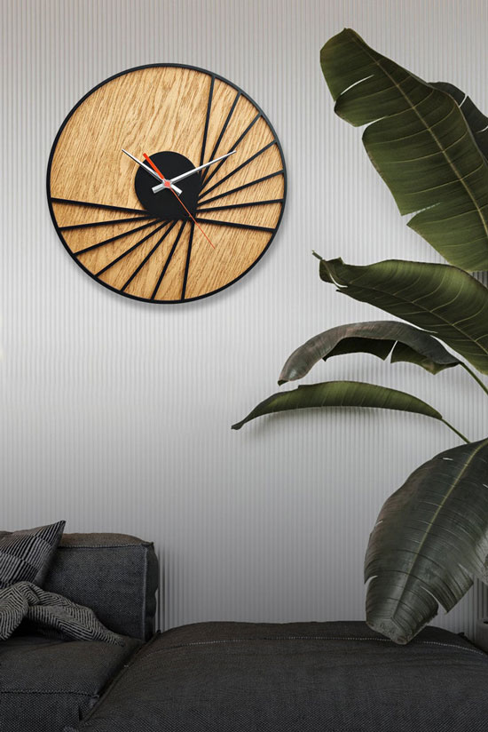 ساعت دیواری مدل Bat با طرح چوبی و جنس چوبی MDF