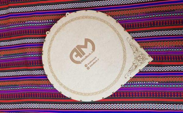 تابلوی میخ و نخ سردار سلیمانی بافته شده با نخ و با بسته بندی مخصوص