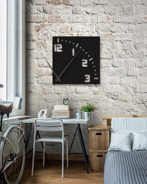 ساعت دیواری مشکی مربعی از جنس پلکسی گلس (شیشه نشکن)