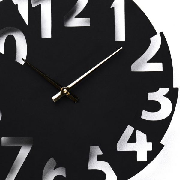 ساعت دیواری طرح جدید و با دو رنگ و در دو جنس مختلف