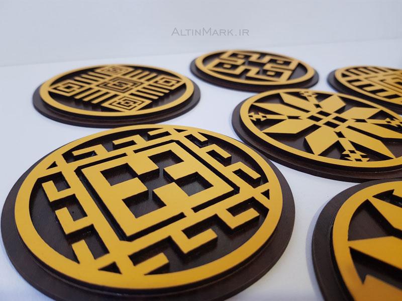 زیر لیوانی طرح سنتی با نقوش ورنی جنس چوبی